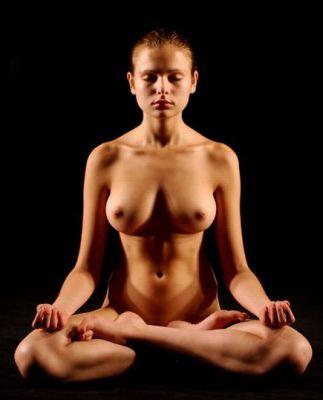 nude yoga and tai chi
